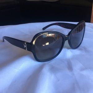 Tory burch oversized butterfly sunglasses